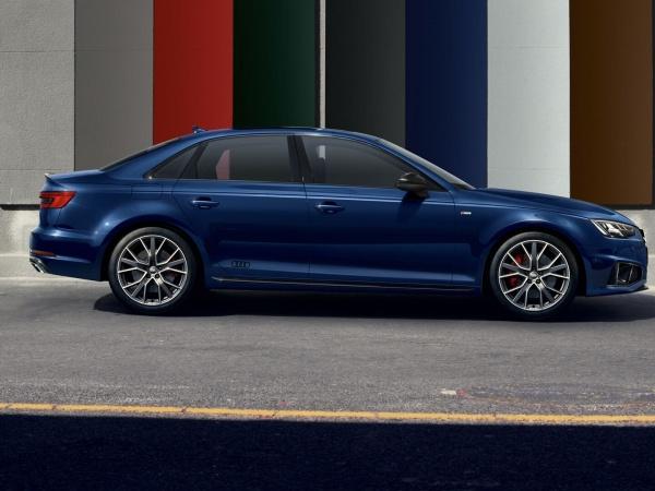 Audi A4 седан фото