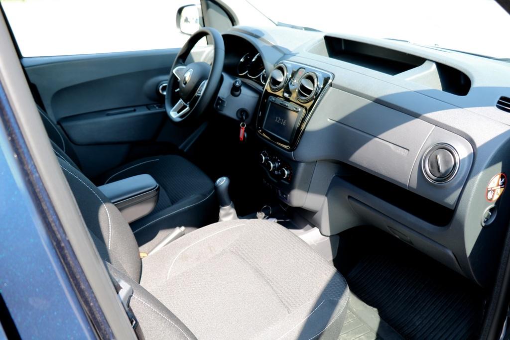 Renault Dokker интерьер фото